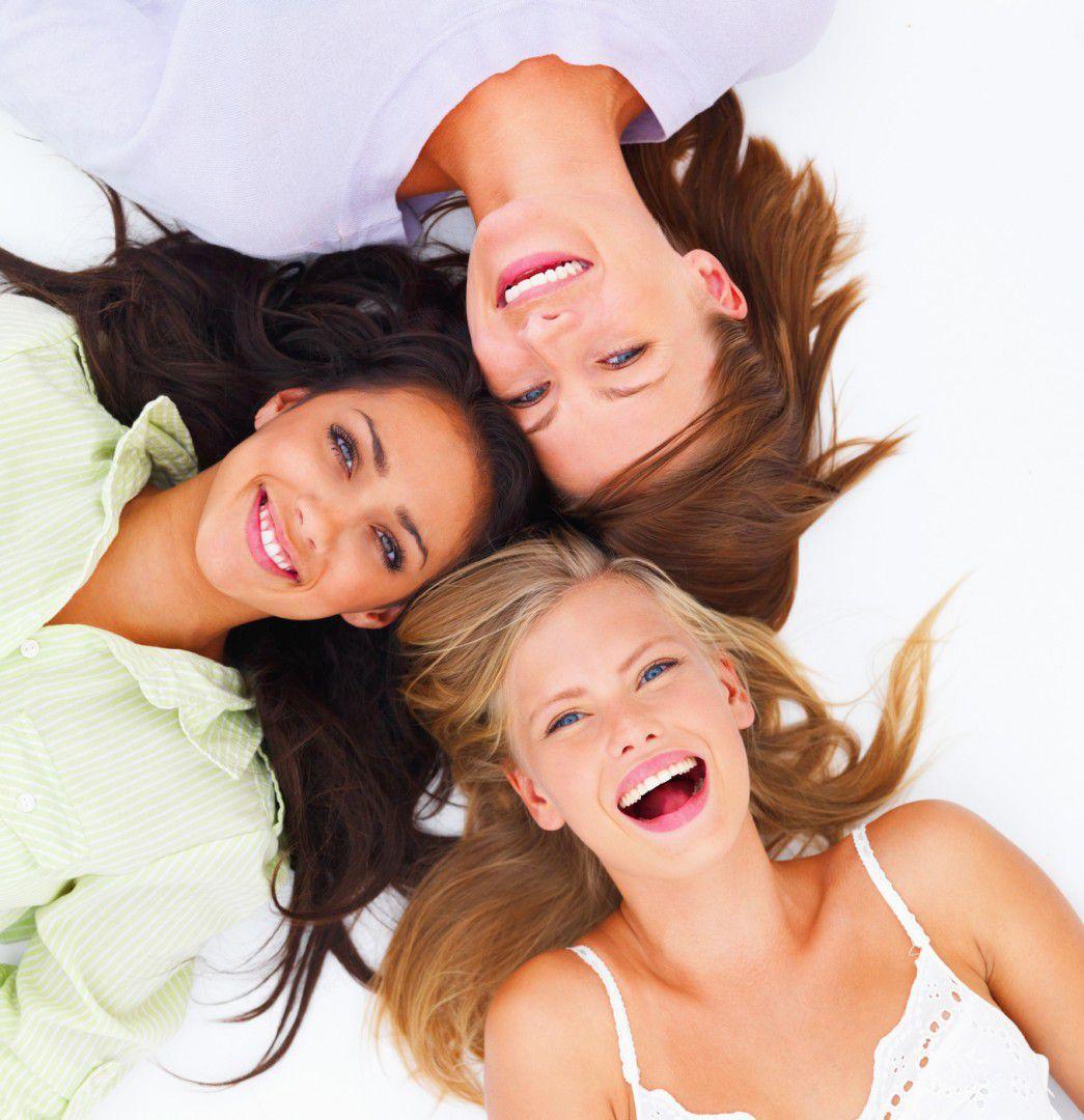 Lächelnde Frauen